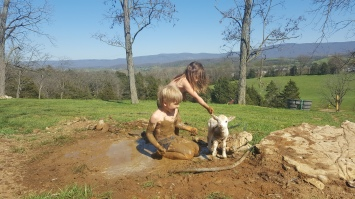 Jack and Violet share a mud bath with Rubix